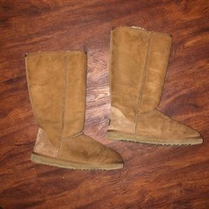 UGG Chestnut Classic Tall Boots 10